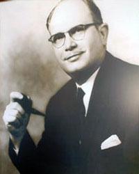 Dr. Frank Harms